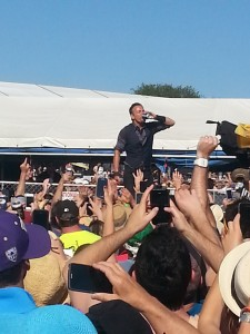 Bruce Springsteen Paused For A Cold One